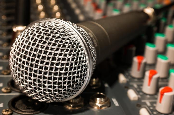 microphone-626618_1280